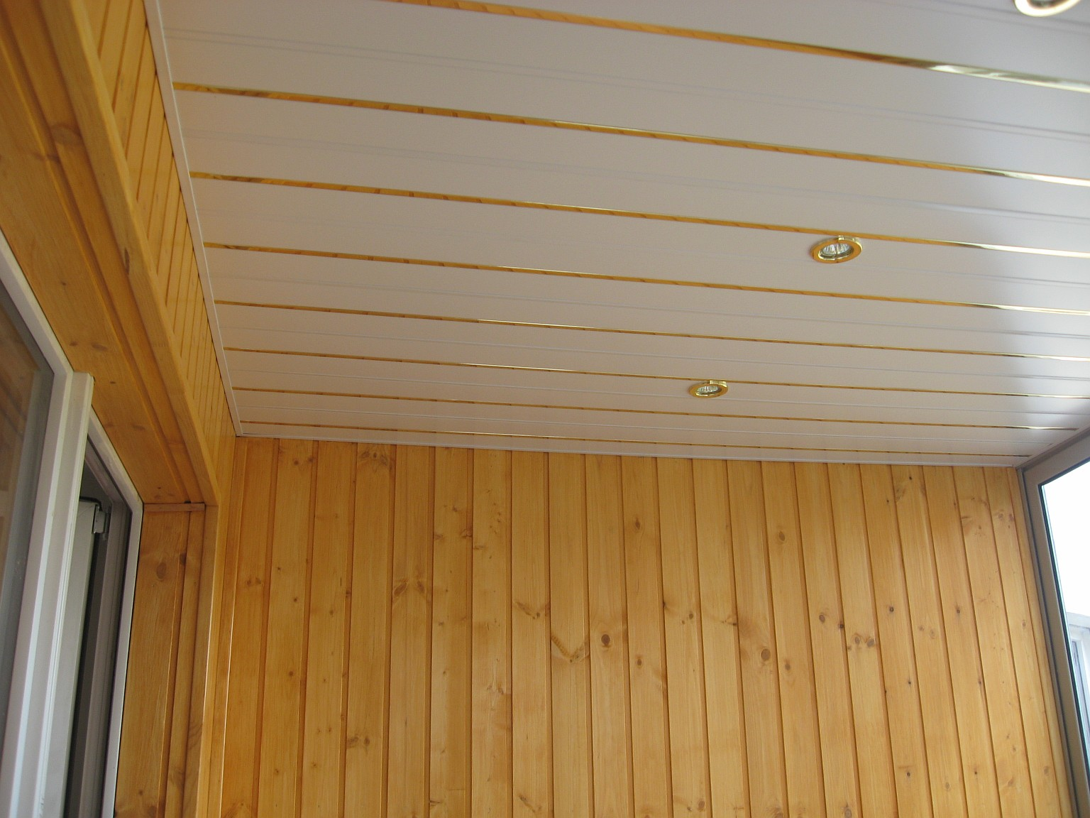 Фото: утепление и обшивка балконов. проектування, монтаж схо.